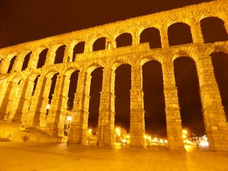 aqueductbynightsegovia