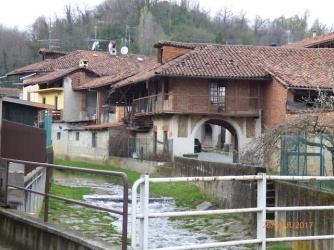 MongrandoVillageHouses