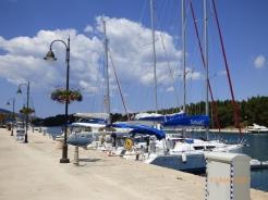 CharterBoatsStarigrad