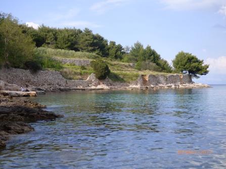 NiceWeeSwimmingSpotJelsa