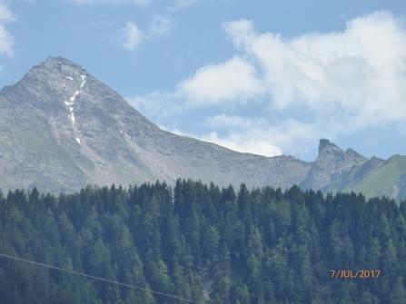 LastFewPocketsOfZillerSnow.Mayrhofen