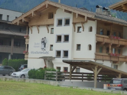 Mr&MrsGarniOrGlockenstuhle?Mayrhofen