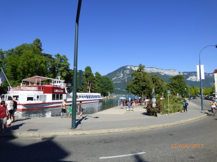 LakeRestaurantBoat.Annecy