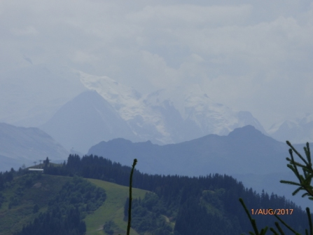 MontBlancInTheDistance.LesGets